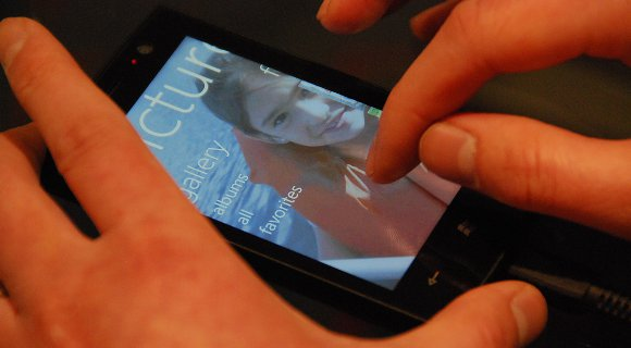 Windows-Phone-711 [UPDATE] Windows Phone 7 Smartphones kommen am 21. Oktober nach Deutschland Handys Microsoft Smartphones Software Technology Windows Phone