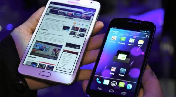 Vergleich: Samsung Galaxy Nexus vs Galaxy Note in Weiß [Video] 3