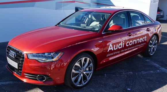 Audi-Piloted-Parking-2-580x320 CES 2014: Audi zeigt pilotiertes Parken (Garagenpilot, Parkpilot) [Video] Technologie