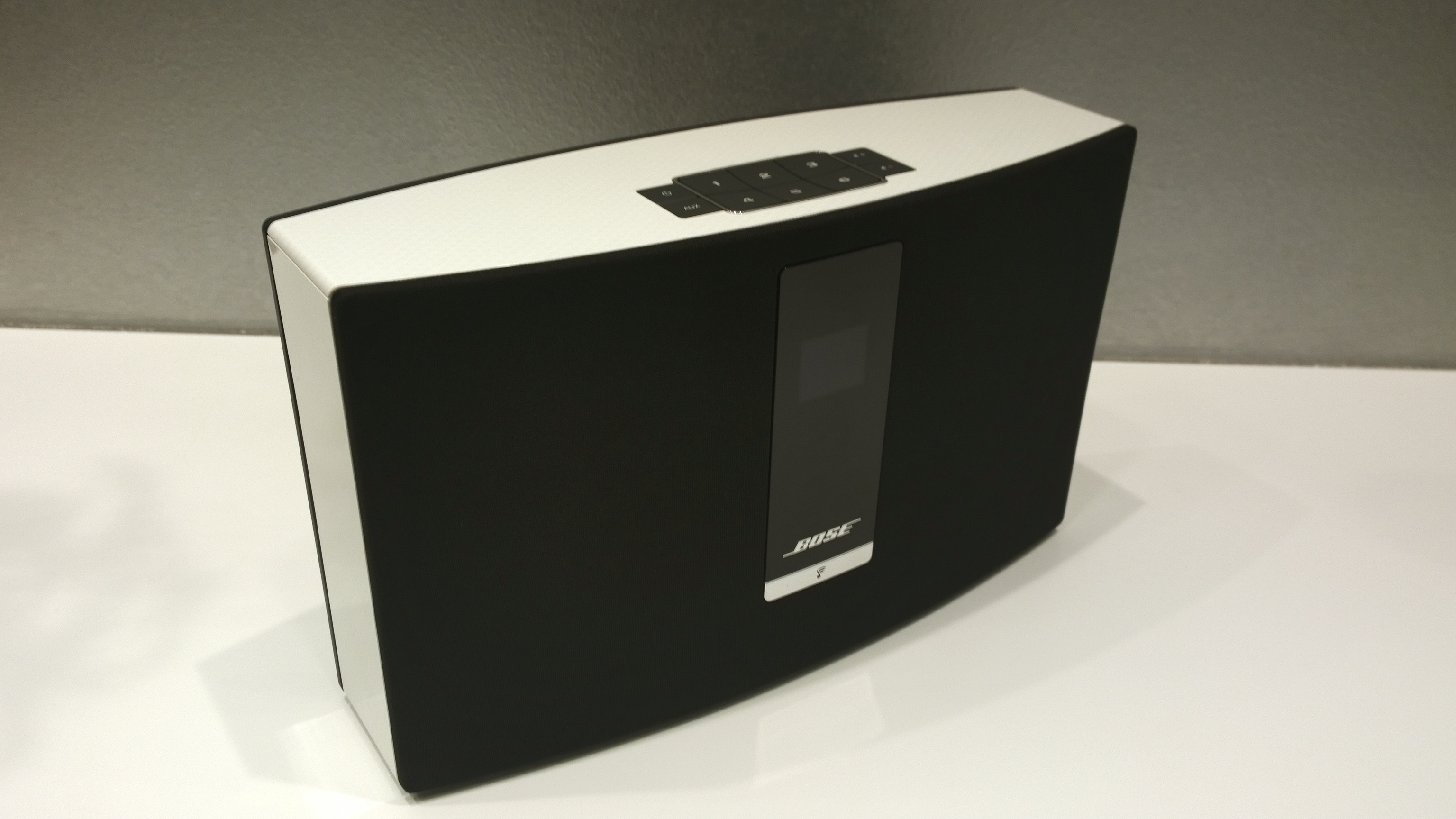 bose soundtouch portable im test review stereopoly. Black Bedroom Furniture Sets. Home Design Ideas