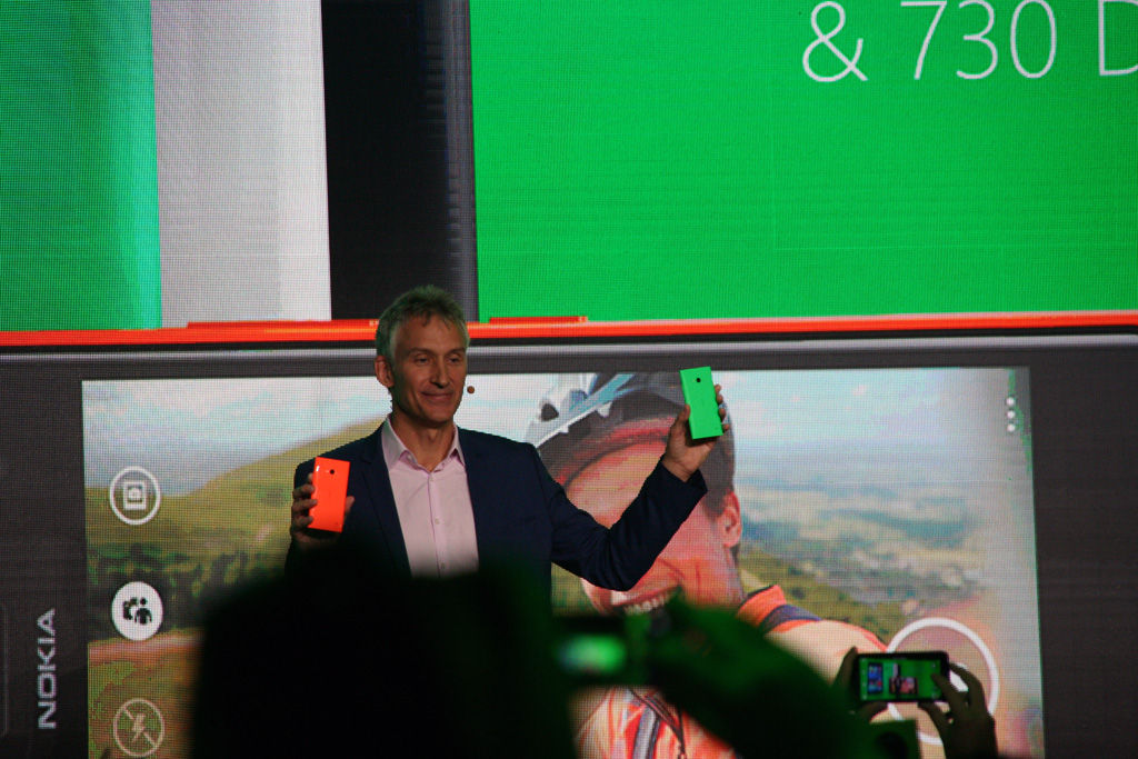 nokia-lumia-730-735-presentation Microsofts Selfie-Phone Nokia Lumia 735 startet in Deutschland Technology