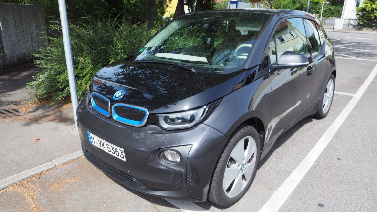bmw i3 im test komfortables elektroauto mit viel. Black Bedroom Furniture Sets. Home Design Ideas