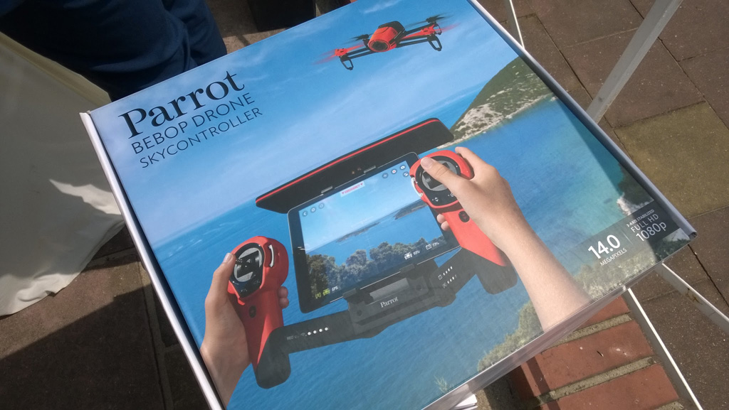 parrot-bebop-drohne-skycontroller-hoppegarten Parrot: Pop-Up Store mit allen Produkten zum Ausprobieren in München & Flight Plan für Bebop Apple iOS Gadgets Games Google Android Hardware