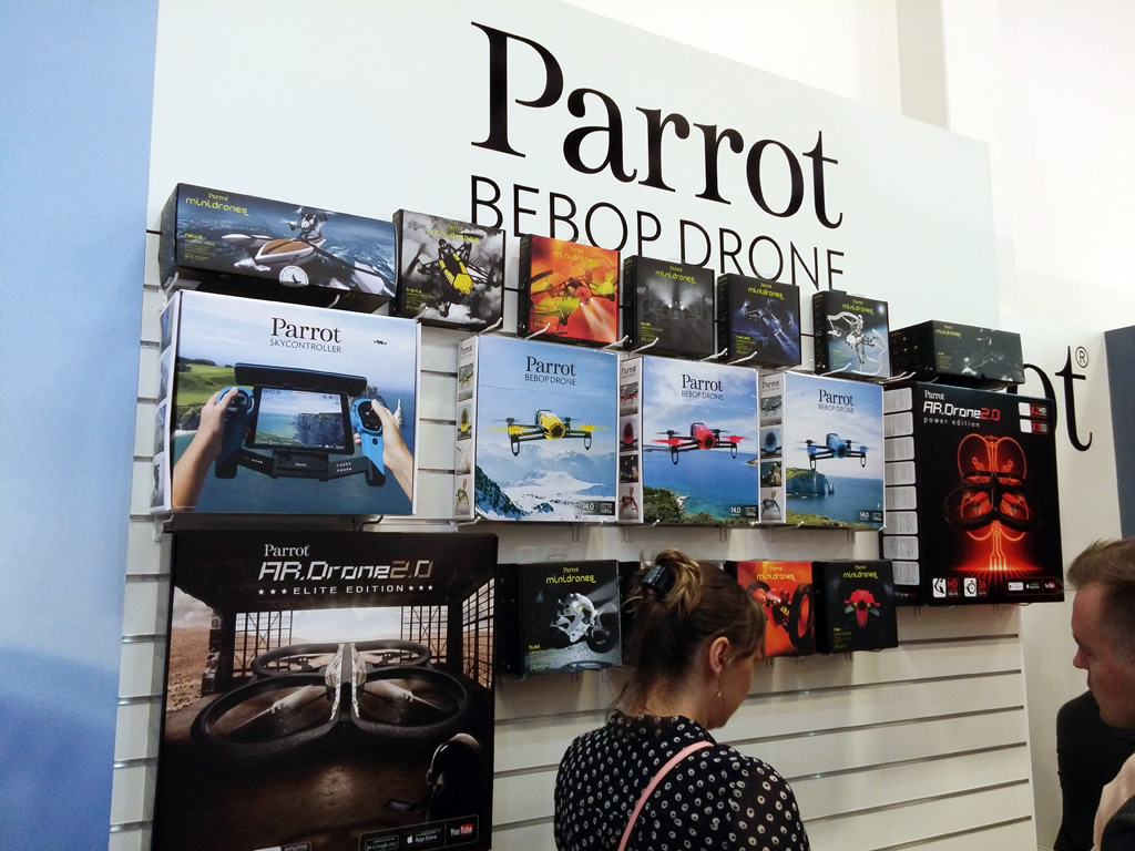 parrot-sortiment-ifa-2015 Parrot: Pop-Up Store mit allen Produkten zum Ausprobieren in München & Flight Plan für Bebop Apple iOS Gadgets Games Google Android Hardware
