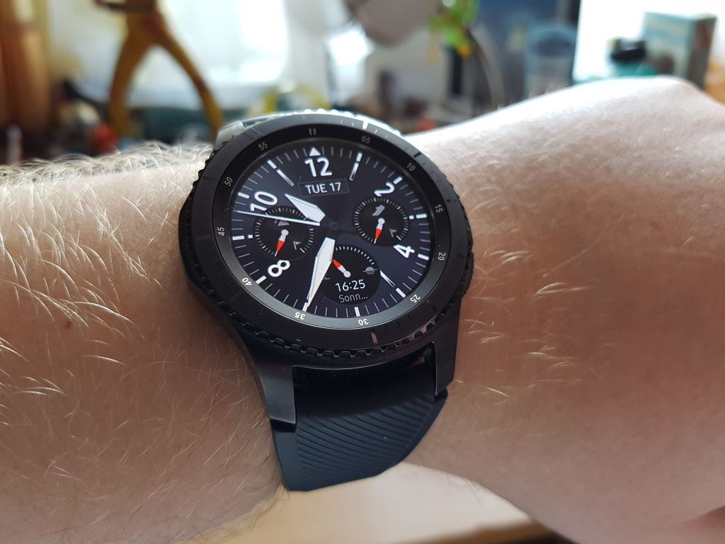 samsung-gear-s3-frontier-hero Samsung Gear S3 frontier - Die Thronfolgerin im Test Featured Gadgets Hardware Reviews Samsung Smartwatches Technology Testberichte Tizen Wearables