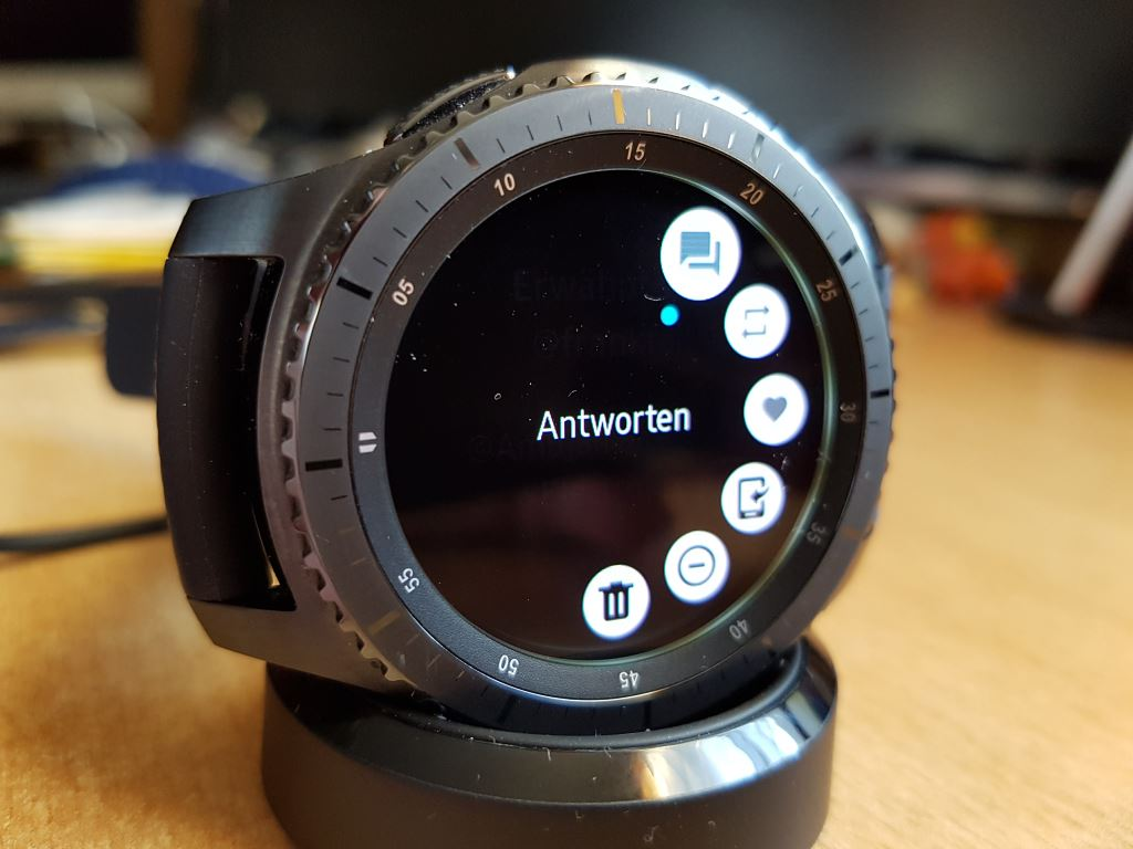 samsung-gear-s3-frontier-sms Samsung Gear S3 frontier - Die Thronfolgerin im Test Featured Gadgets Hardware Reviews Samsung Smartwatches Technology Testberichte Tizen Wearables