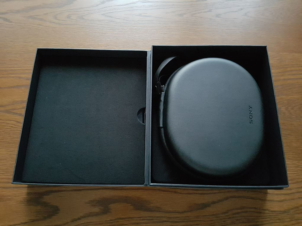 Sony MDR-1000X - offene Packung