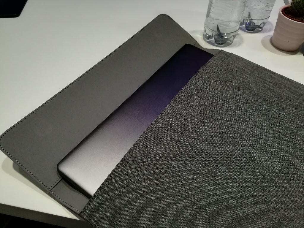 huawei-matebook-x-sleeve Huaweis neue MateBooks - Newcomer und Nachfolger für einen umkämpften Markt Computer Huawei Tablets Technologie Windows YouTube Videos