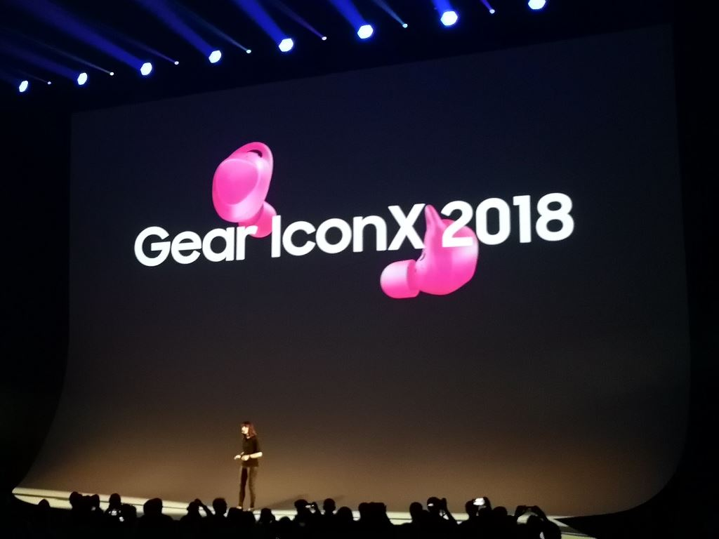 samsung-gear-iconx-2018 [IFA 2017] Samsung Gears Up - neue Wearables für den Herbst Audio Gadgets Google Android In-Ear Kopfhörer Samsung Smartwatches Technology Tizen Wearables YouTube Videos