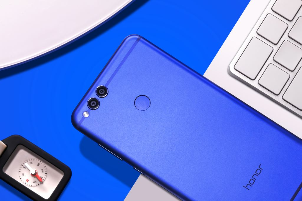 honor-7x-blau-close Das Honor 7X ist da für 249 Euro Gadgets Google Android Hardware Honor Smartphones Technology YouTube Videos