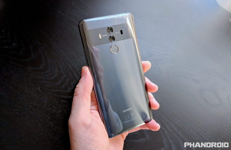 Huawei-Mate-10-Pro-hand-1600x1042-772x503 Großes Software-Update für das Huawei Mate 10/10 Pro Google Android Huawei Smartphones Software
