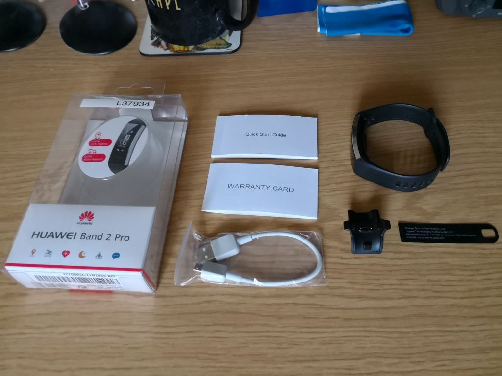 huawei-band-2-pro-unboxed HUAWEI Band 2 Pro - der Gesundheits- und Fitnesstracker mit GPS im Test Accessoires Apple iOS Featured Gadgets Google Android Hardware Reviews Testberichte Wearables YouTube Videos