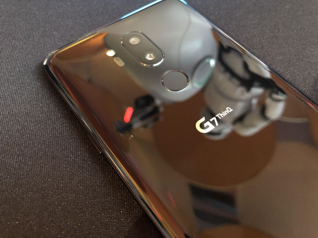 lg-g7-cam Das LG G7 ThinQ kann vorbestellt werden und wir haben es uns angeschaut [Test] Gefeatured Google Android Handys LG Electronics Smartphones Technologie Testberichte YouTube Videos