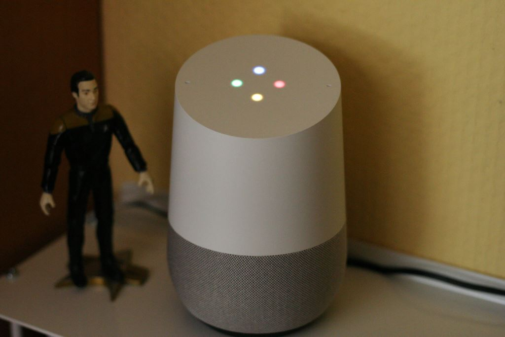 google-home-aktiv Vier smarte Lautsprecher mit Google Assistant im Vergleichstest Apple iOS Audio Gadgets Gefeatured Google Google Android Lautsprecher Smart Home Technologie Testberichte