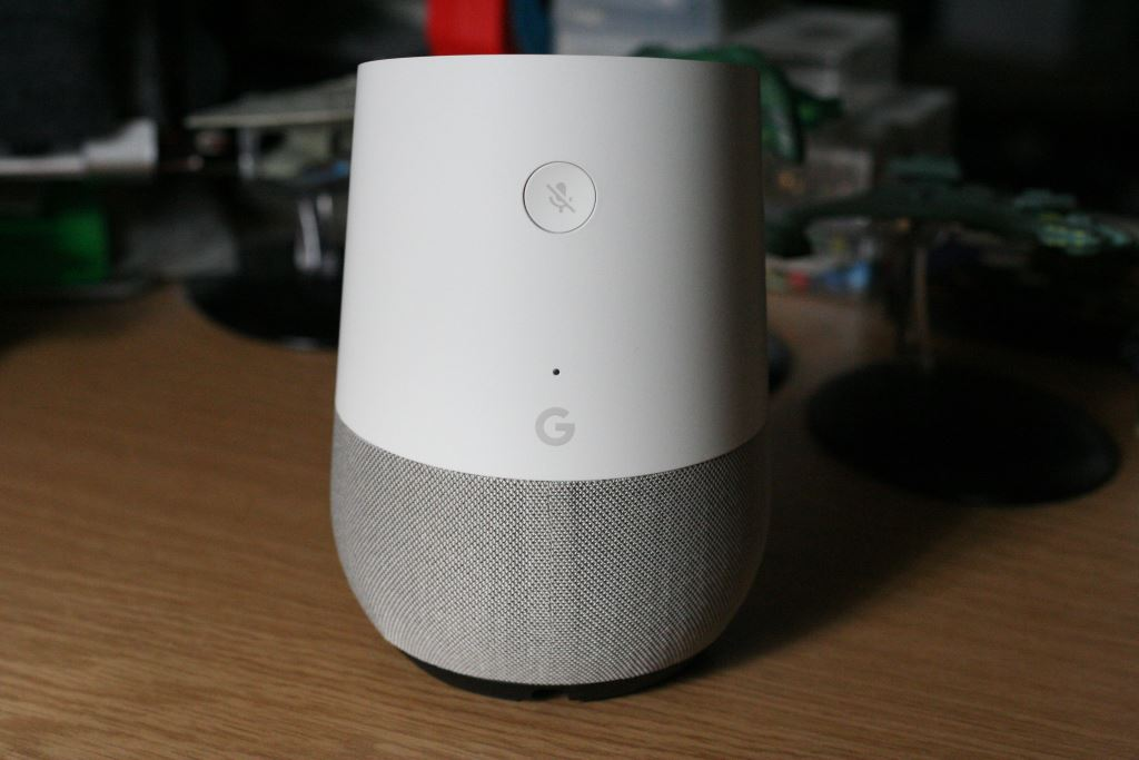 google-home-back Vier smarte Lautsprecher mit Google Assistant im Vergleichstest Apple iOS Audio Gadgets Gefeatured Google Google Android Lautsprecher Smart Home Technologie Testberichte