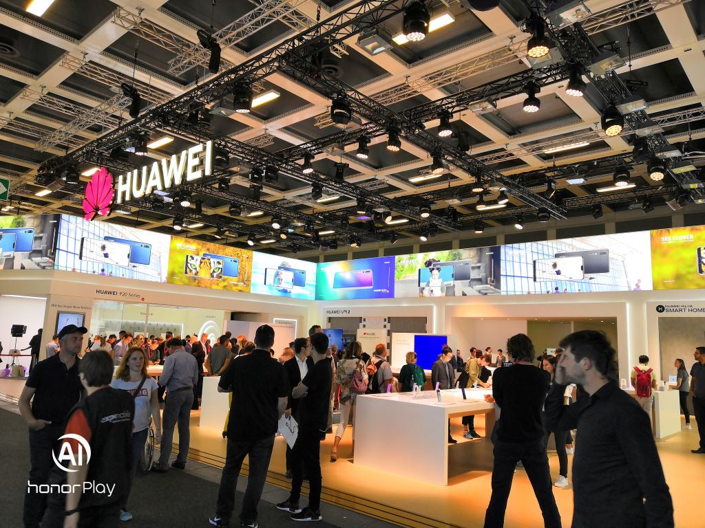 huawei-booth-ifa-2018 [IFA 2018] HUAWEI zeigte Smart Speaker und launcht das Mate 20 Lite Audio Gadgets Google Android Hardware Huawei IFA 2018 Smartphones YouTube Videos