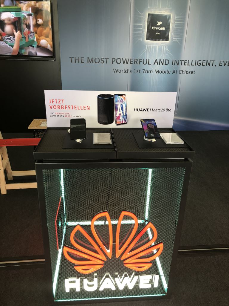 huawei-mate-20-lite-stand [IFA 2018] HUAWEI zeigte Smart Speaker und launcht das Mate 20 Lite Audio Gadgets Google Android Hardware Huawei IFA 2018 Smartphones YouTube Videos