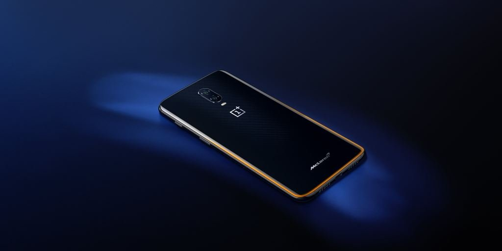 oneplus-6t-mclaren-edition-liegend OnePlus 6T McLaren Edition - 10 GB RAM im Kohlefaserlook Google Android OnePlus Shortnews Smartphones YouTube Videos