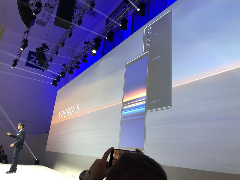 ifa-2019-sony-xperia-5 [IFA 2019] Sony Xperia 5 und 2. Generation Nackenbügelkopfhörer mit ANC im Hands-On Audio Events Gadgets Google Android IFA Kopfhörer Smartphones Sony Technologie YouTube Videos